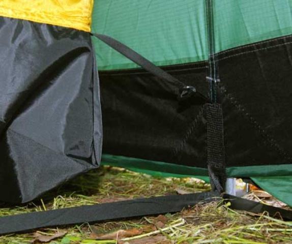 Угол внутренней палатки без шва Угол внутренней палатки без шва Четырехместная кемпинговая палатка-полубочка с большим тамбуром Alexika Apollo 4 зеленый