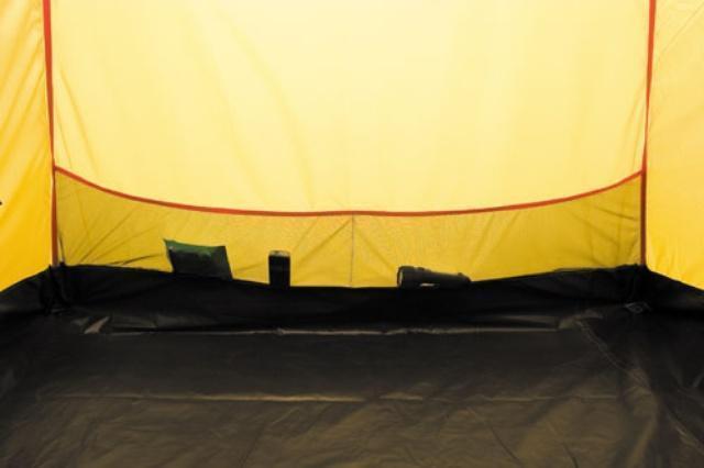 Карманы во внутренней палатке Карманы во внутренней палатке Четырехместная кемпинговая палатка с двумя спальнями и тамбуром посередине Alexika Indiana 4 беж