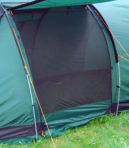 Антимоскитная сетка на входе в тамбур Антимоскитная сетка на входе в тамбур Четырехместная кемпинговая палатка с двумя спальнями и тамбуром посередине Alexika Indiana 4 беж