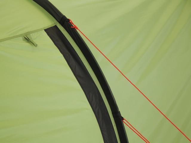 Двухточечная оттяжка для равномерного натяжения тента Двухточечная оттяжка для равномерного натяжения тента Трехместная туристическая палатка-полубочка с большим тамбуром KSL Half Roll 3 зеленый