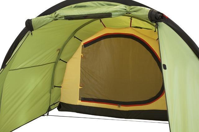 Антимоскитная сетка на входе в спальню Антимоскитная сетка на входе в спальню Трехместная туристическая палатка-полубочка с большим тамбуром KSL Half Roll 3 зеленый