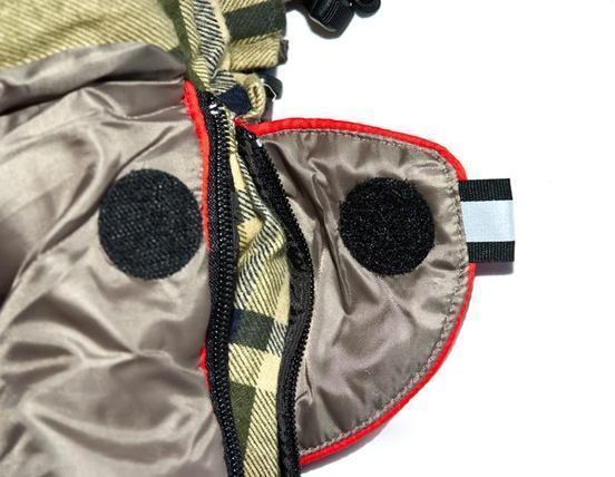 Круглая липучка Velcro (квадратные - отрываются по углам) и светоотражающий ярлык. Модель, объединяющая в себе удобство спальника — одеяла с подголовником и простого одеяла Alexika Siberia Wide Transformer