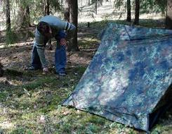 Застегнуть все молнии и растянуть оттяжки Лёгкая двухместная палатка. Tengu Mark 31T
