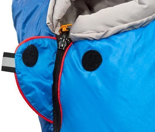 На треугольном клапане круглая липучка Velcro (квадратные отрываются по углам) и светоотражающий ярлык. Компактная версия спальника Mountain для всех, чей рост не превышает 155 см, и юниоров Alexika Mountain Scout