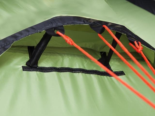 Ветровой клапан и регулировочные стойки Ветровой клапан и регулировочные стойки Трехместная туристическая палатка-полубочка с большим тамбуром KSL Half Roll 3 зеленый