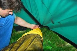 Подвесить внутренюю палатку Четырехместная кемпинговая палатка-полубочка с большим тамбуром. Alexika Apollo 4