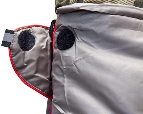 Круглая липучка Velcro (квадратные - отрываются по углам) и светоотражающий ярлык. Самый просторный, комфортный и теплый спальник для путешествий даже в сильные заморозки Alexika Tundra Plus XL