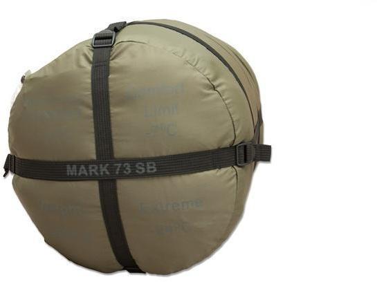 На мешке четыре ремня, которые позволяют уменьшить упакованный мешок по высоте. Уникальный низкотемпературный спальник-одеяло с большим объемом утеплителя Tengu Mark 73SB