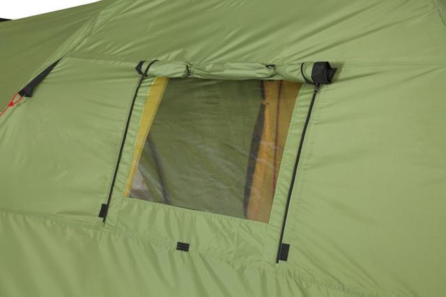 Окно полностью открыто. Окно полностью открыто. Высокая четырёхместная кемпинговая палатка KSL Campo 4 зеленый