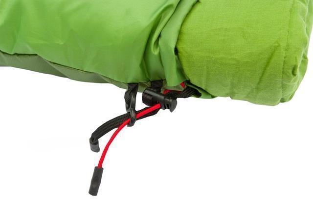 Шнуры затяжки смещены от края на 7 см и зафиксированы пластиковым крючком. Поэтому они не будут ложиться вам на лицо во время сна. Спальник-одеяло для кемпинга и туризма Alexika Siberia