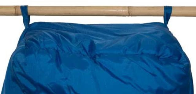 Нижние петли для просушки. Позволяют подвесить спальник для просушки после стирки, или проветривания в походе. Штурмовой спальник для летних восхождений Alexika Tibet Compact