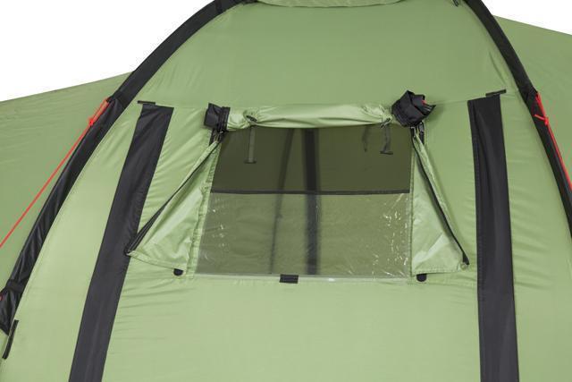 Регулируемое окно на центральном входе открыто. Палатка с двумя спальнями (3+3) и большим тамбуром посередине KSL Macon 6