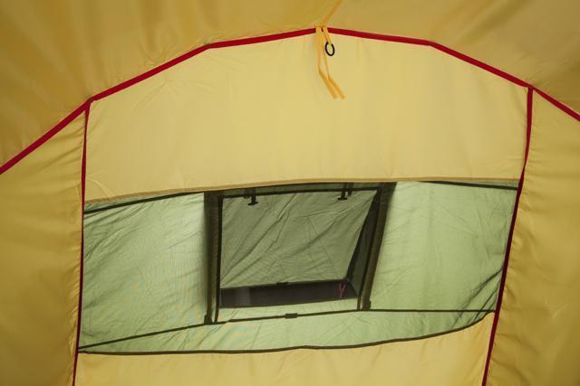 Вентиляционное окно в спальне, кольцо для фонаря. Палатка с двумя спальнями (3+3) и большим тамбуром посередине KSL Macon 6