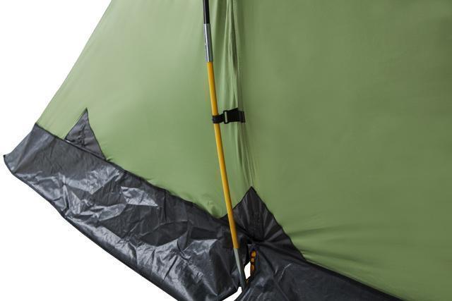 Цветная маркировка дуги. Усиленный узел стыковки дуги и оттяжки. Палатка с двумя спальнями (3+3) и большим тамбуром посередине KSL Macon 6