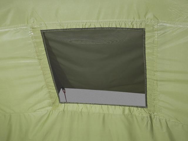 Вентиляционное окно изнутри. Четырехместная кемпинговая палатка с двумя спальнями и большим тамбуром KSL Macon 4