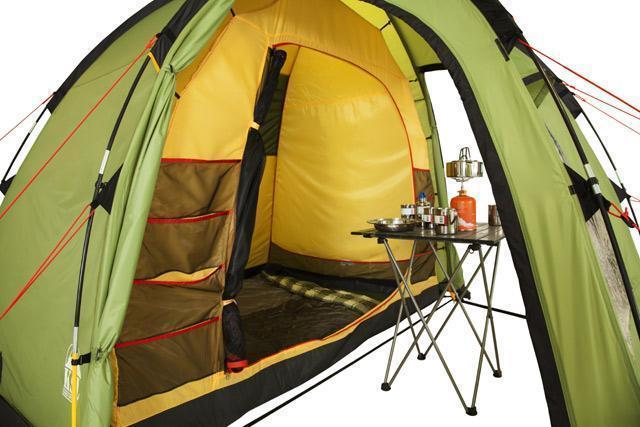 Внутреннее пространство. Общий вид. Трехместная кемпинговая палатка купольного типа KSL Rover 3