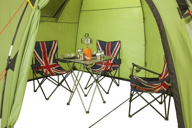 Внутреннее пространство с отстегнутой спальней. Трехместная кемпинговая палатка купольного типа KSL Rover 3