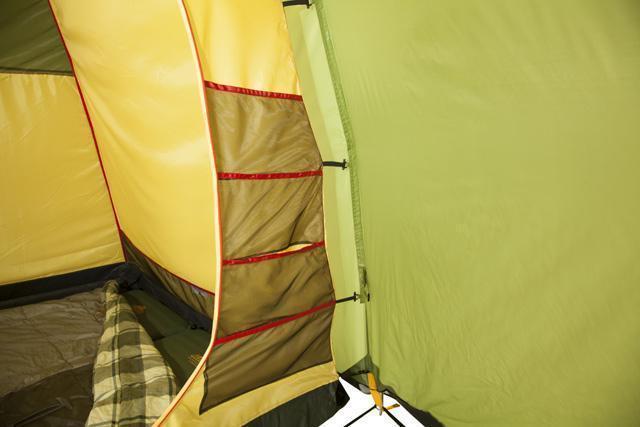 Спальня. Кармашки для мелочей. Оттяжки подвески. Трехместная кемпинговая палатка купольного типа KSL Rover 3
