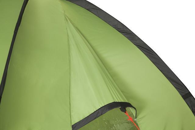 Фронтальное окно снаружи - защита от дождя. Трехместная кемпинговая палатка купольного типа KSL Rover 3