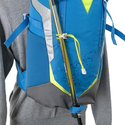Крепление для треккинговых палок - Яркий и удобный рюкзак для путешественников старше 10 лет Mani lawn green