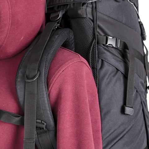 Широкие лямки анатомической формы - Универсальный трекинговый туристический рюкзак среднего объема Tamas 70 black
