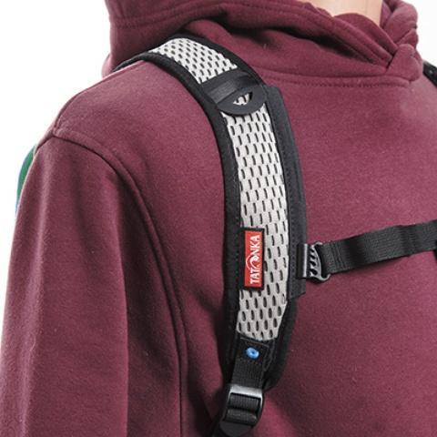 Сетчатые дышащие плечевые лямки анатомической формы - Легкий рюкзак для бега или велоспорта Baix 10