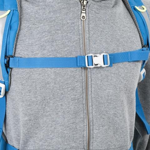 Регулируемый нагрудный ремень со свистком - Яркий и удобный рюкзак для путешественников старше 10 лет Mani lawn green