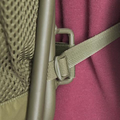 Стул крепитя к рюкзаку стропами и легко снимается - Складной рыбацкий рюкзак-стул Fisherstuhl cub