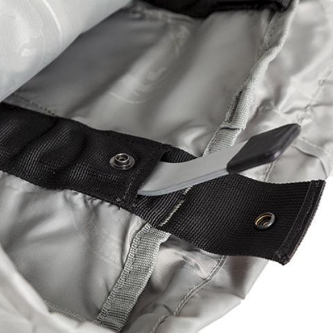 Дуги легко вынимаются, и рюкзак можно компактно свернуть - Универсальный трекинговый туристический рюкзак среднего объема Tamas 70 black