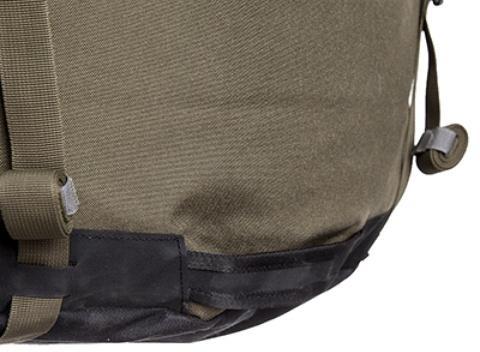 Нижняя ручка для помощи при надевании или для погрузки рюкзака в машину - Туристический рюкзак для переноски тяжелых грузов Bison 120 black
