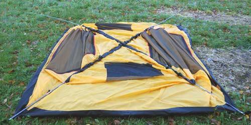 Вставить торцы дуг в люверсы с одной стороны палатки. Инструкция по Grand Tower 4